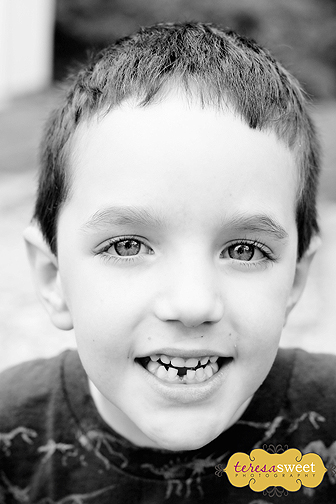 1st Lost Tooth 004 (B&W) web