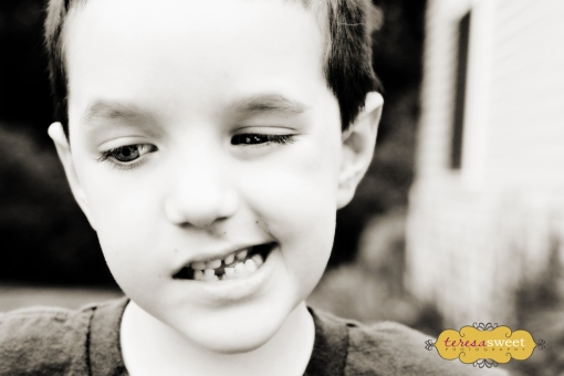 1st Lost Tooth 007 (V B&W) web